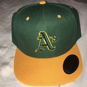Brand New Oakland A's SnapBack Baseball Hat